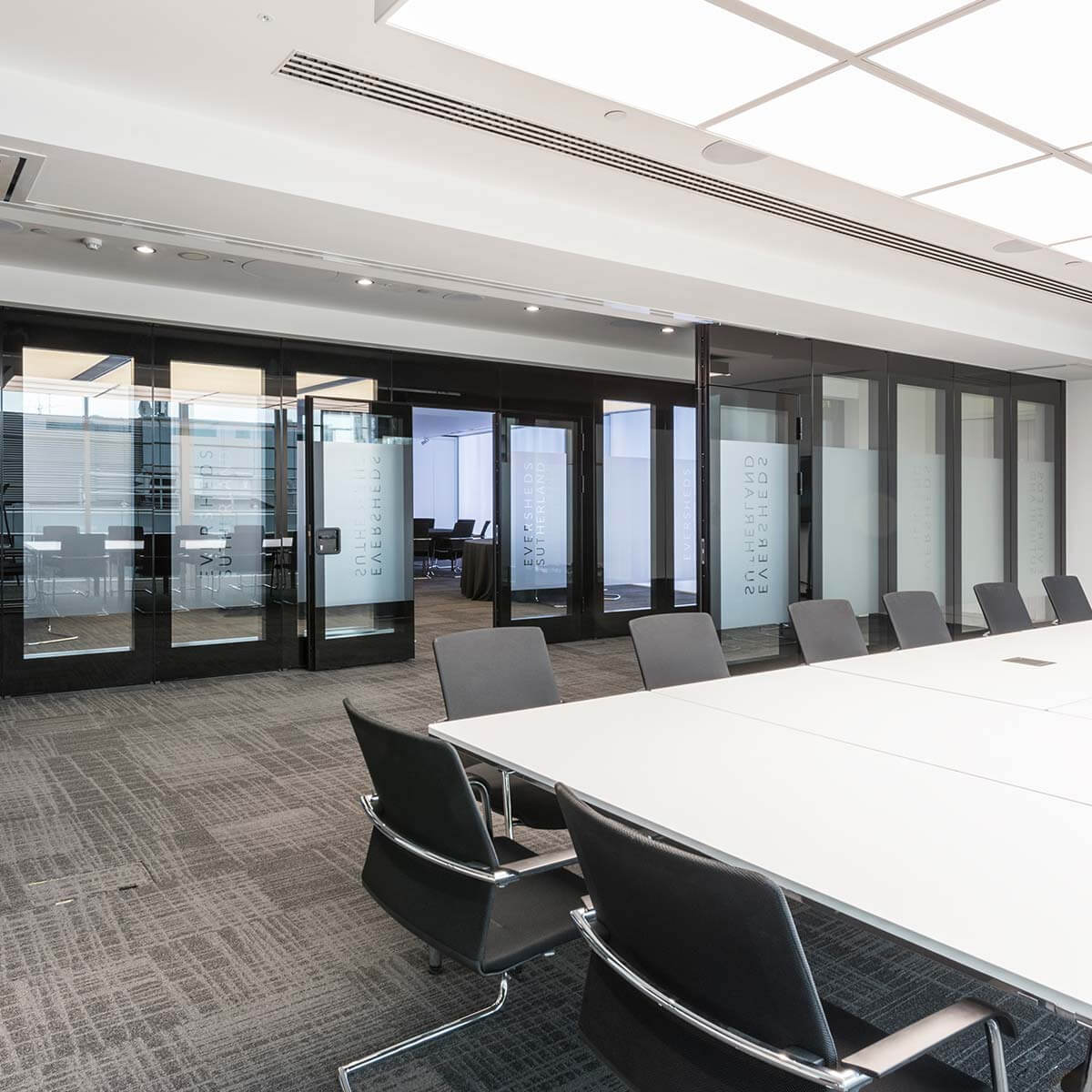 london hq auditorium with open moving walls and feature ceiling