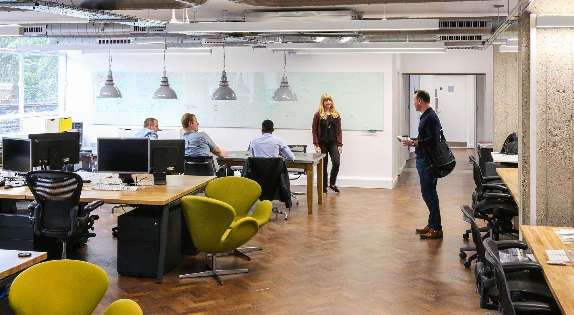 london office open plan office bespoke desk tops