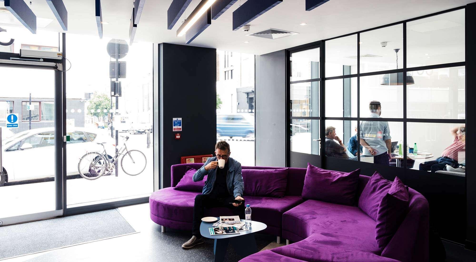 london office reception sofa design